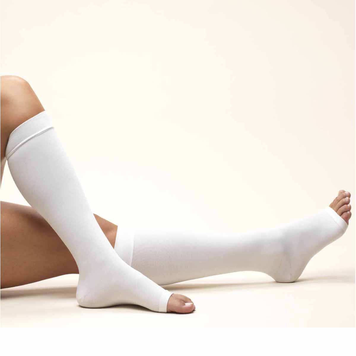 Truform 0808 (18 mmHg Knee High, Open Toe)